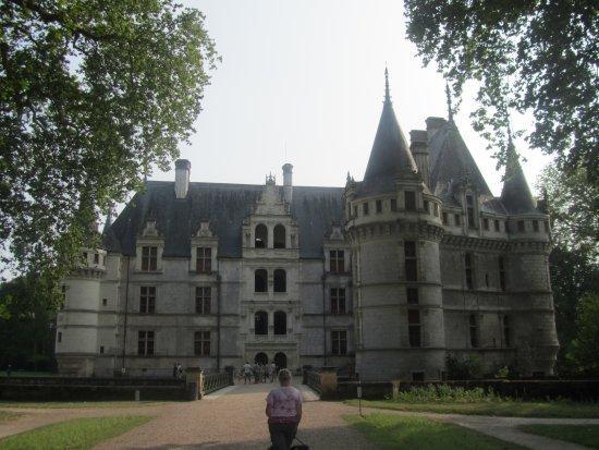 L'entrée du Château d'Azay le Rideau