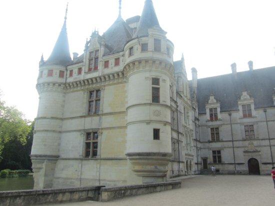 Une Aile du Château