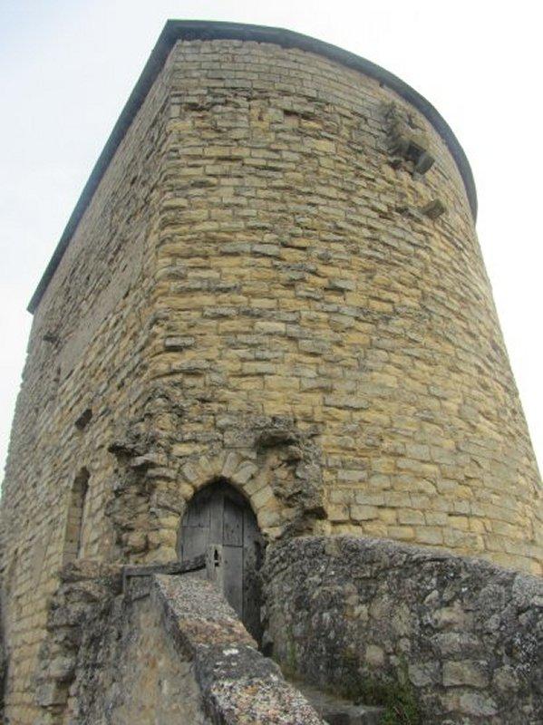 La Tour Prince de Galles de Thouars vue de l'Intérieur de la Ville