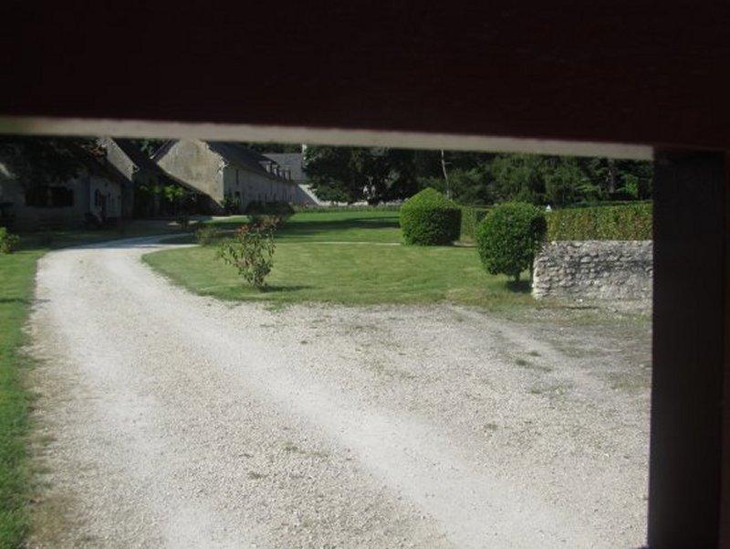 A Travers les Grilles du Château de Conon