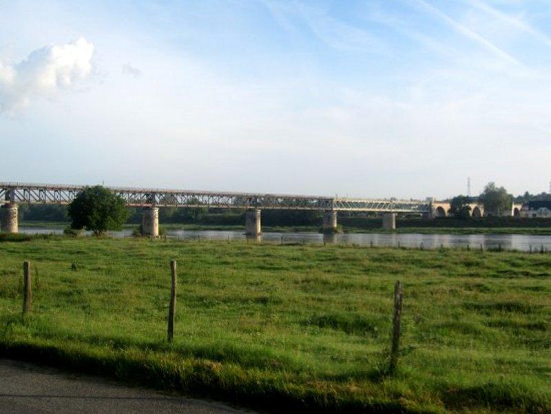Le Viaduc de Gien au Dessus de la Loire