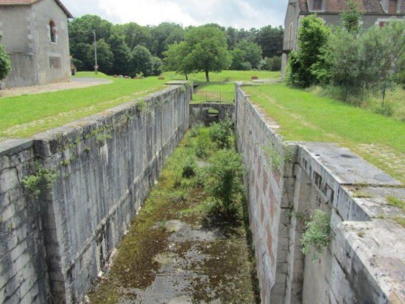 Un Sas des Anciennes Ecluses du Canal de Briare à Rogny