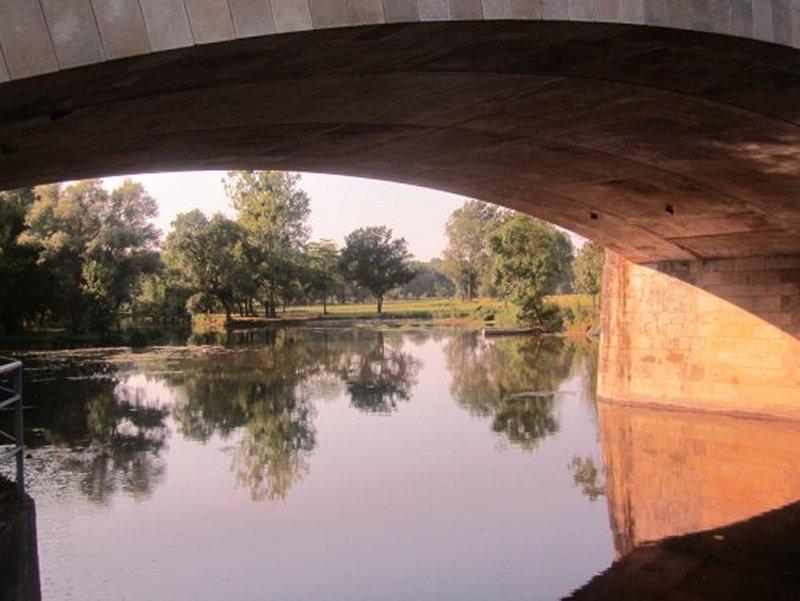 Le Thouet Sous le Pont Fouchard à Saumur