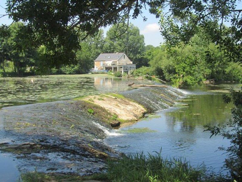 Le Barrage du Moulin d'Enterré, en Aval de Vrines