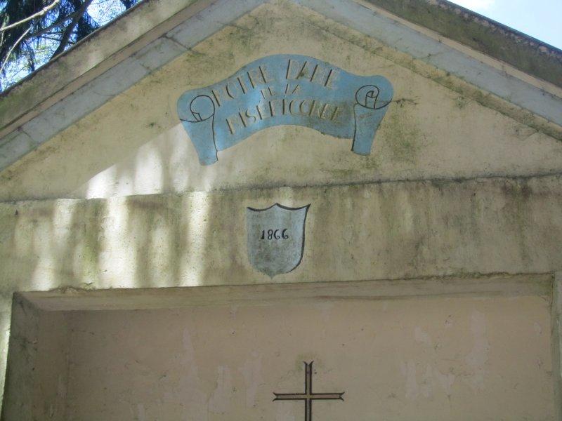 Le Fronton de la Chapelle de la Miséricorde