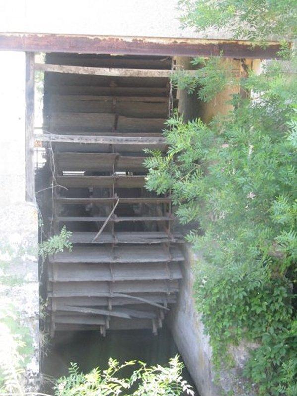 Ancienne Roue de Moulin à Celettes