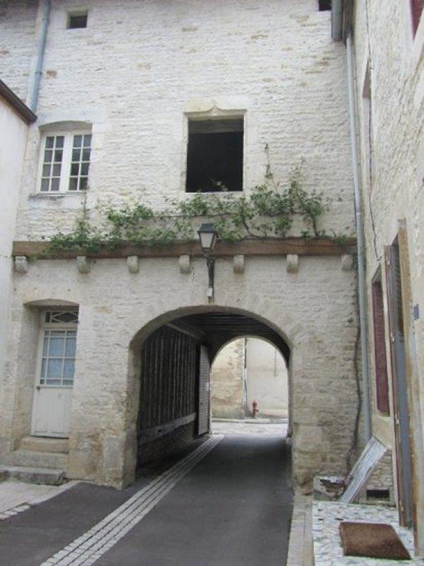 La Rue des Juifs à Mussy sur Seine