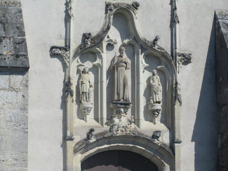 Détail du Fronton de l'Eglise de Celettes