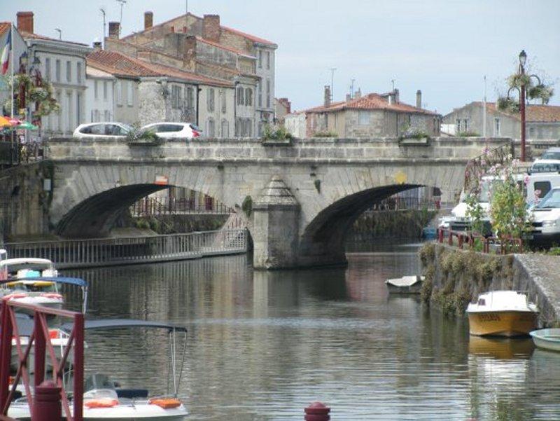 Le Pont sur la Sèvre Niortaise à Marans