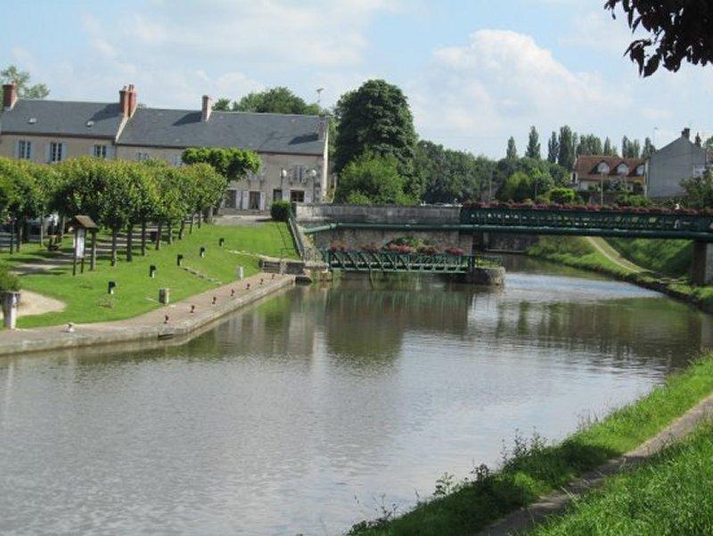 Le Canal de Briare à Ouzouer sur Trézée