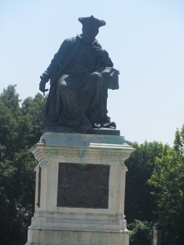 La Statue de Rabelais à Chinon