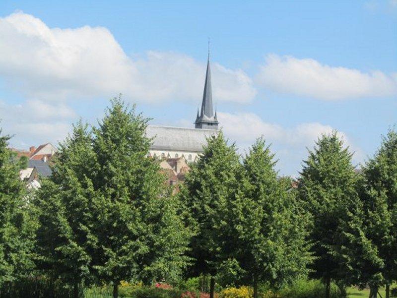 L'Eglise d' Ouzouer sur Trézée