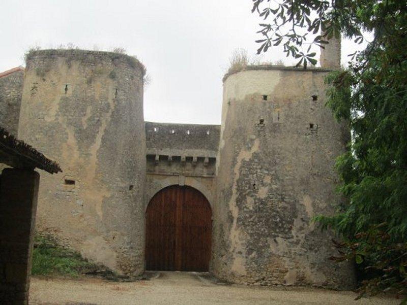 Entrée du Château Fort de Piogé