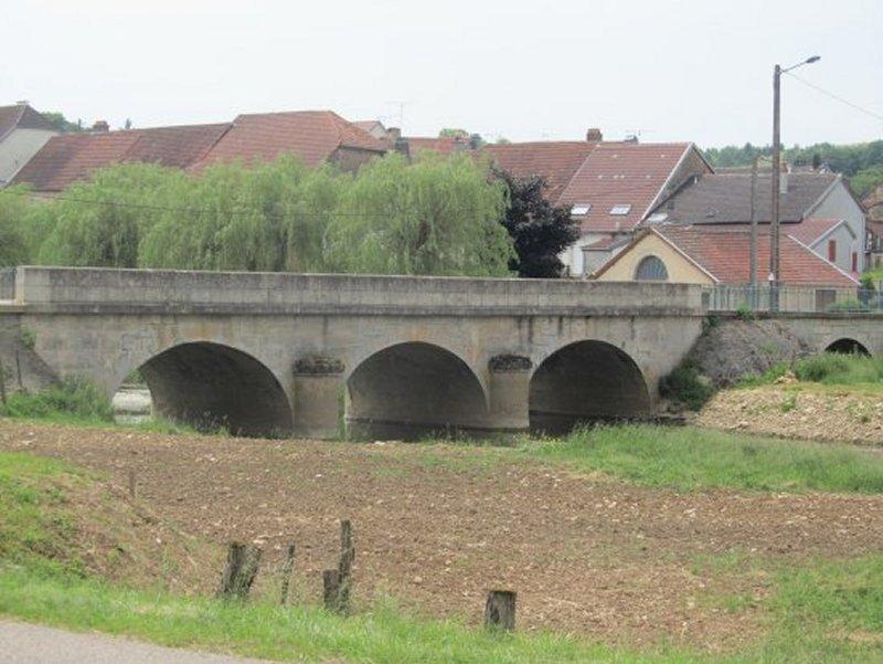 Pont sur le Mouzon