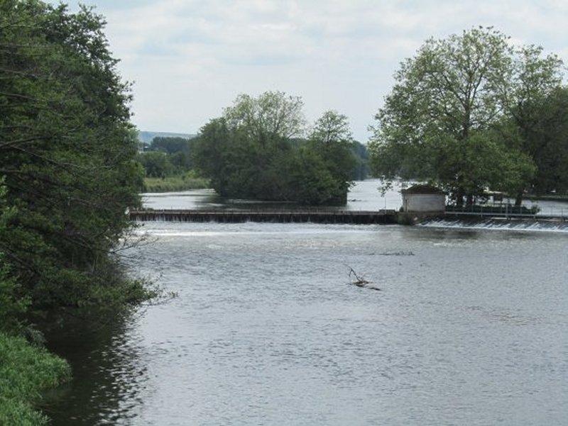 Une Île sur l'Yonne à Auxerre