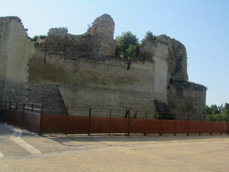 L'Entrée de la Forteresse Royale de Chinon