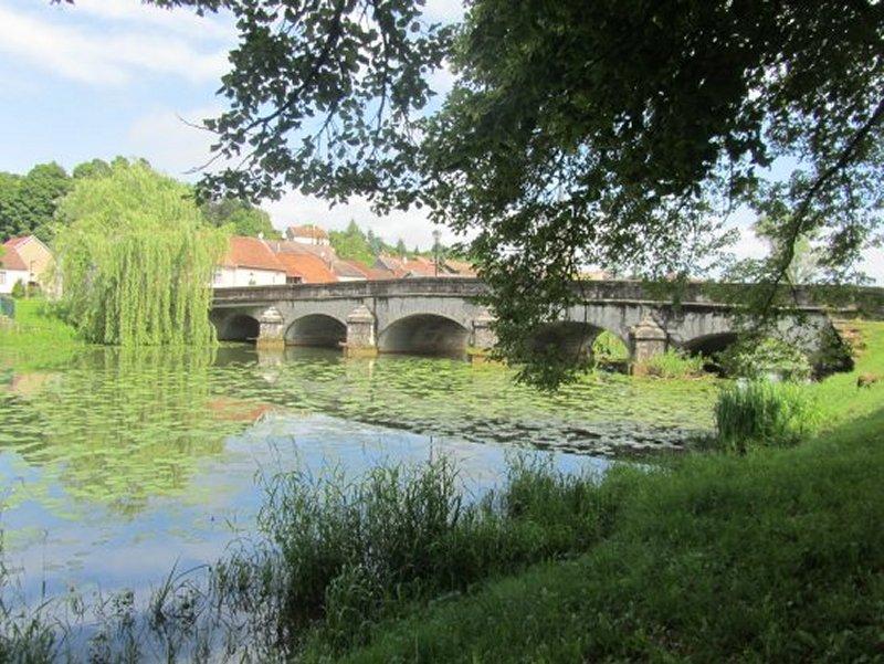 Pont sur la Meuse à Bazoilles sur Meuse