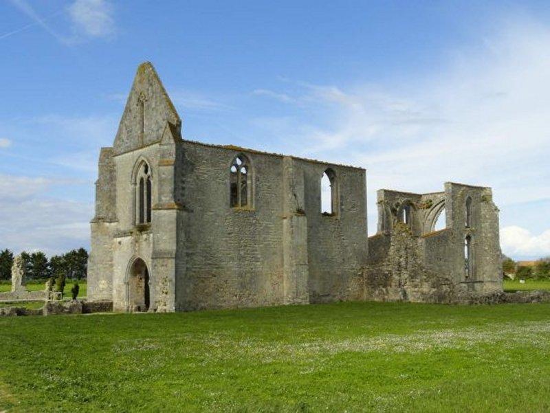 L'Abbaye des Châteliers, Proche du Camping GCU de La Flotte