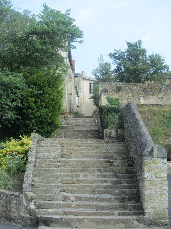 Escalier pour Monter à Montreuil Bellay à Partir de la Vallée du Thouet
