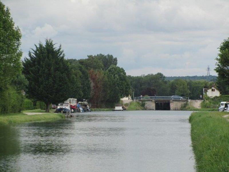 Le Port sur le Canal de Bourgogne