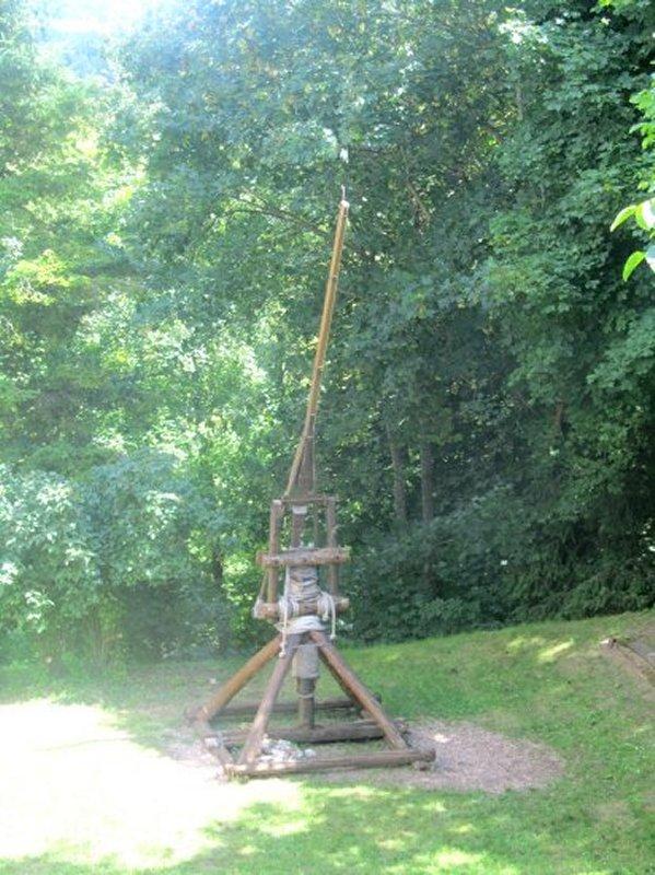 Catapulte au Château de St Brisson sur Loire