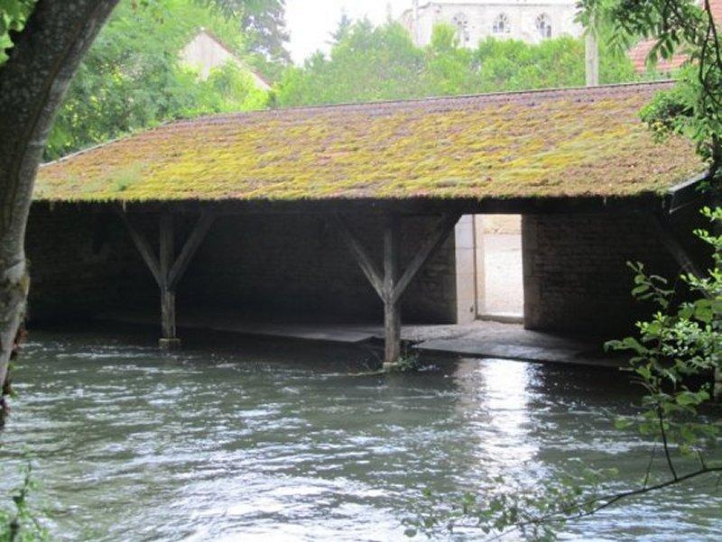 Le Lavoir de Ricey-Bas vu de l'Île Saint Louis