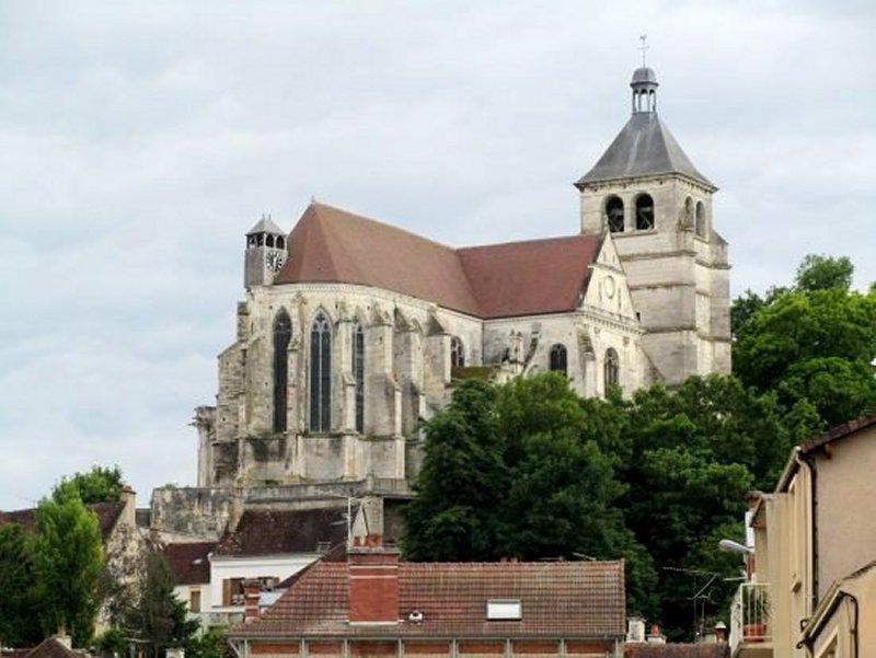 L'Eglise Saint Pierre de Tonnerre