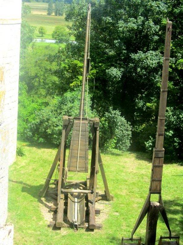 Machine de Guerre au Château de St Brisson sur Loire