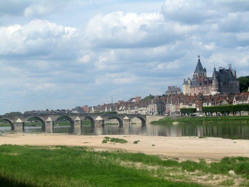 Le Pont sur la Loire à Gien